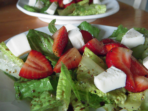 Balsamic Strawberry & Mozzarella Salad